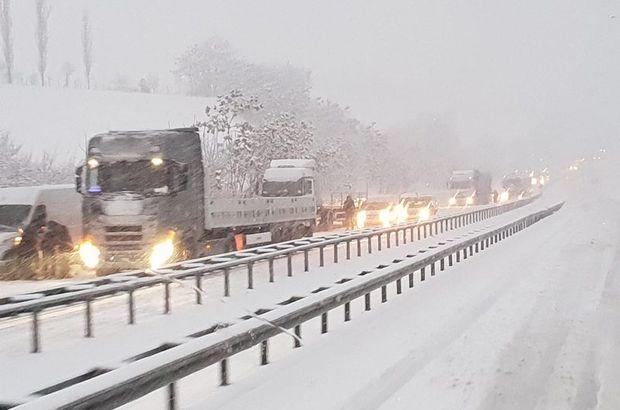 Karadeniz'i İstanbul'a bağlayan yol kapandı