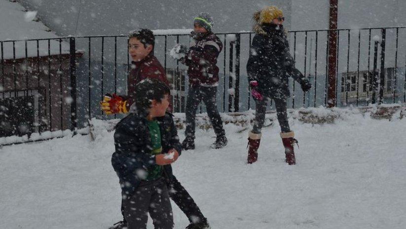 Bursa'nın 7 ilçesinde okullara kar tatili