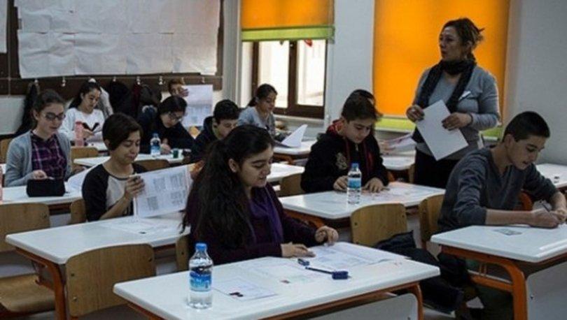 Sınavlarda görevli öğretmenler
