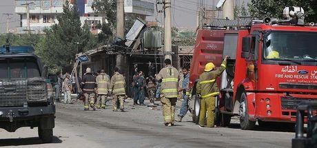 Afganistan'da valiye bombalı! 8 koruma öldü...