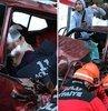 Bolu'da Abant Tabiat Parki yolu üzerinde iki otomobilin kafa kafaya çarpismasi sonucu 3 kisi yaralandi. Kazanin ardindan Abant yolu 45 dakika trafige kapandi, uzun araç kuyruklari olustu