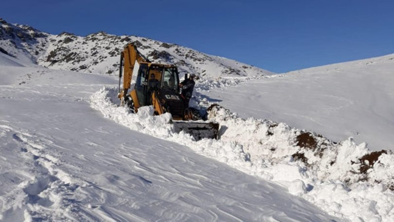 Adana kar yağışı mahsur kalan aile