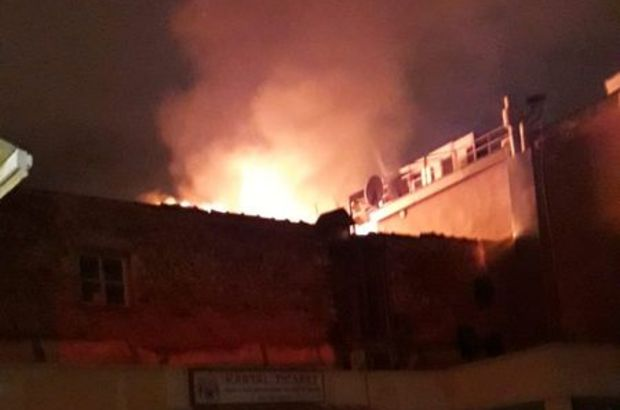 İzmir Kemeraltı'nda çıkan yangın korkuttu
