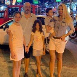 Çok sevdikleri Phuket'e gittiler...