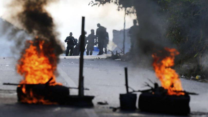 Venezuela'da askeri ayaklanma girişiminin ardından sokaklar da karıştı