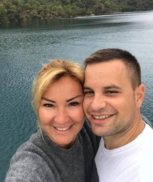 Pınar Altuğ ile eşi Yağmur Atacan'dan bornozlu paylaşım - Magazin haberleri