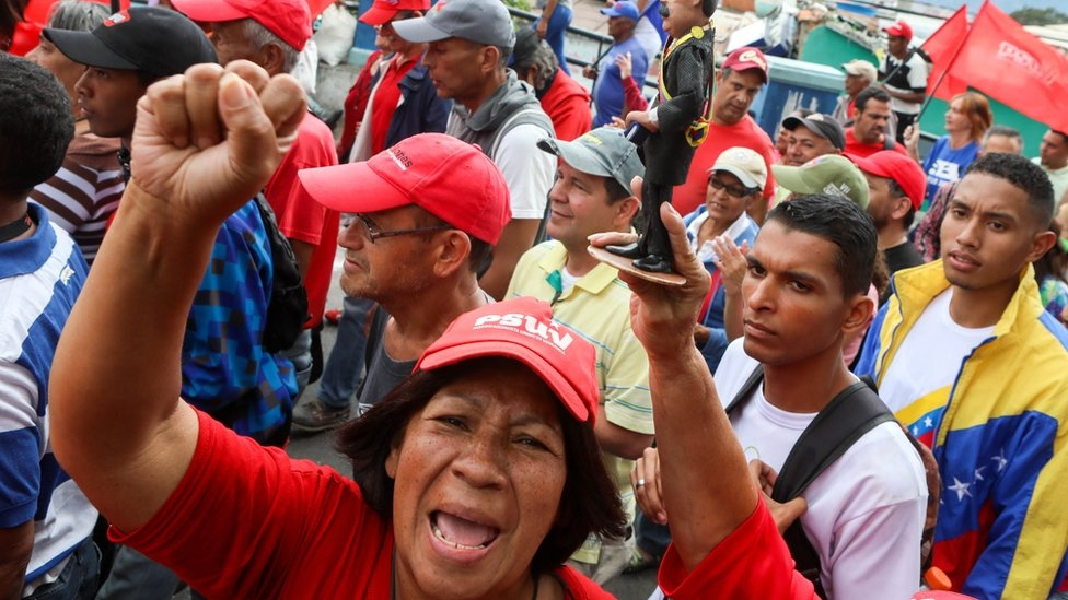 Venezuelanın petrol üretimi neden azalıyor