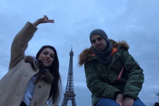Yüsra Geyik ile sevgilisi Serkan Sümer, Paris'te tatil yapıyor - Magazin haberleri