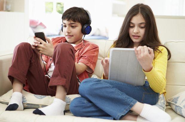 Ebeveynler çocuklarını Mavi Balina oyunundan nasıl koruyabilir?