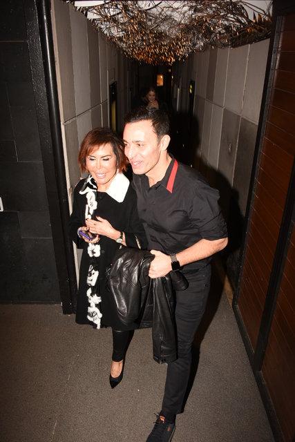 Mustafa Sandal sevgilisi Melis Sütşurup ile ilk kez görüntülendi - Magazin haberleri