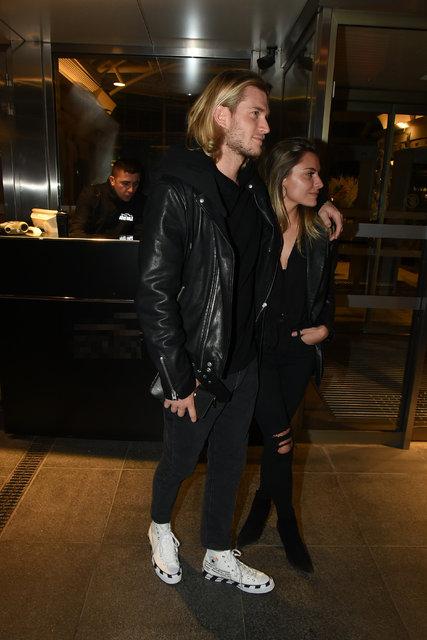Loris Karius ile sevgilisi Sophia Thomalle'dan aşk pozları - Magazin haberleri