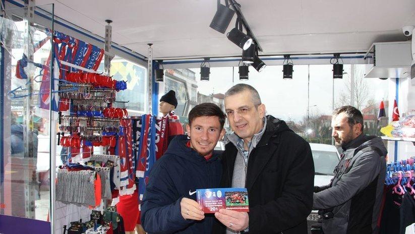 Düzcespor'dan seyircisiz maça hatıra bilet