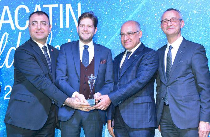 Menderes Tekstil, 2015 Ege Tekstil ve Hammaddeler İhracatçıları Birliği tarafından ödüle layık görüldü.