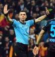 Merkez Hakem Kurulu, Galatasaray - Trabzonspor maçında verdiği ve vermediği kararlarla tartışma yaratan hakem Ümit Öztürk
