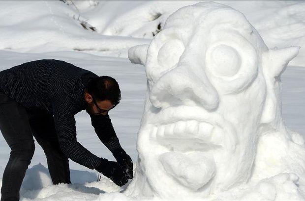 Kardan heykel,