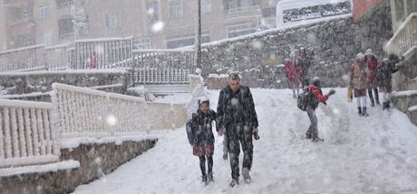 Hakkari'de bugün okullar tatil mi? 15 Şubat Hakkari Valiliği'nden kar tatili açıklaması