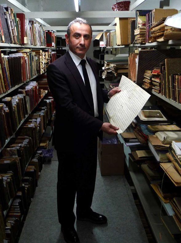 Ramazan Minder, Abdülhamid'in elyazısı arzıhali ile.