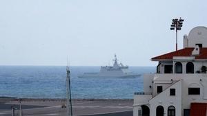 Cebelitarık'ta İngiliz ve İspanyol savaş gemileri karşı karşıya geldi
