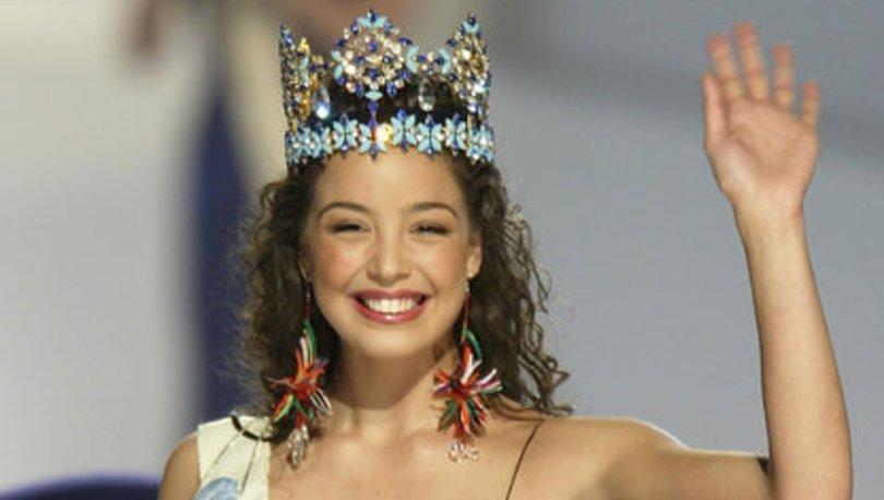 Hadi ipucu 19 Şubat: Azra Akın'ın 2002 kainat güzeli seçildiği yarışmadaki elbiseyi kim tasarladı? Hadi 11.30