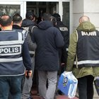 İZMİR'DE BÜYÜK FETÖ OPERASYONU! 176 GÖZALTI KARARI!
