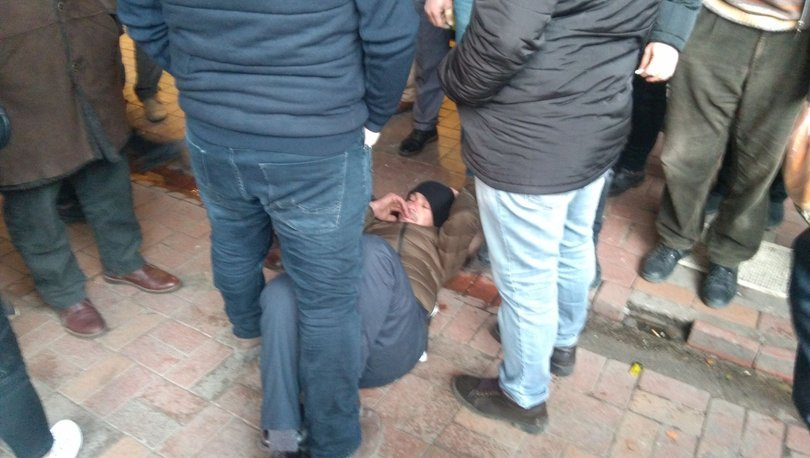 zonguldak'ta eski eşi tarafından sokak ortasında darp edilen kadının yardımına esnaf ve vatandaş koştu. ile ilgili görsel sonucu