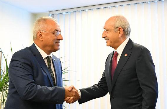 Önder Aksakal ve Kemal Kılıçdaroğlu.