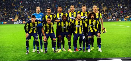 Fenerbahçe'de yıldız isim kadroya alınmadı!