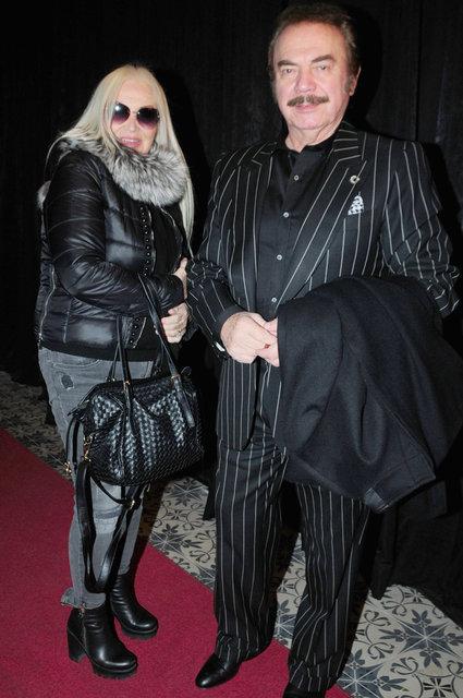 Oya Başar eşi Levent Kırca'nın fotoğrafını görünce duygulandı - Magazin haberleri