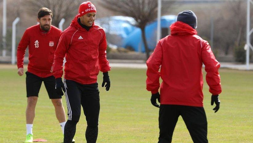 Sivasspor'da Antalyaspor maçına hazırlanıyor