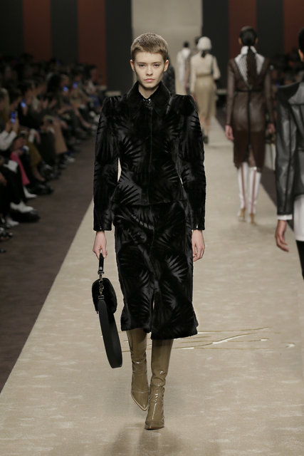 Milano Moda Haftası'nda Karl Lagerfeld'e saygı duruşu