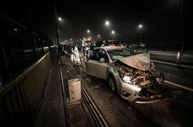 Haliç Köprüsü'nde art arda kaza... Yolun açılmasını bekleyen araçlara çarptı