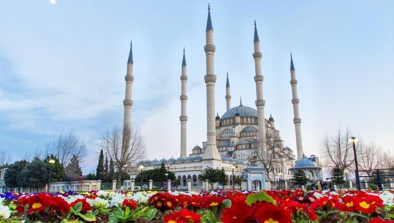 22 Şubat Adana Cuma namazı saat kaçta? Diyanet, Adana Cuma namaz vakti
