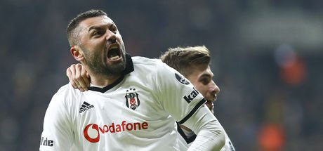 Burak Yılmaz, Beşiktaş'ta ilk peşinde