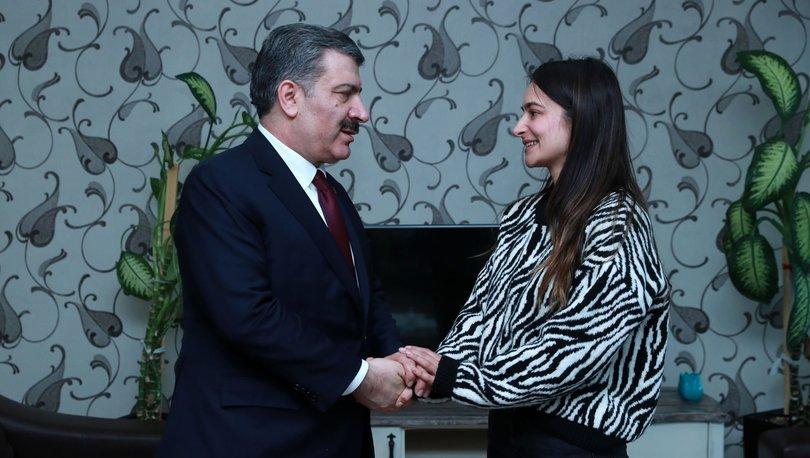 Sağlık Bakanı Fahrettin Koca 25 yıl önceki hastasıyla buluştu