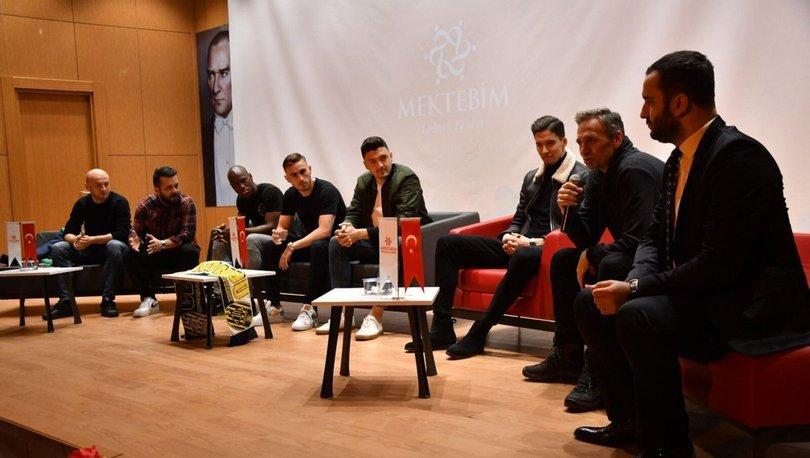 Ankaragücü'nün 5 futbolcusu, öğrencilerle bir araya geldi