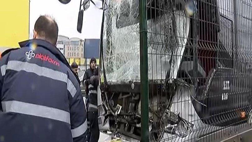 Haramidere'de metrobüs kazası! Yaralılar var