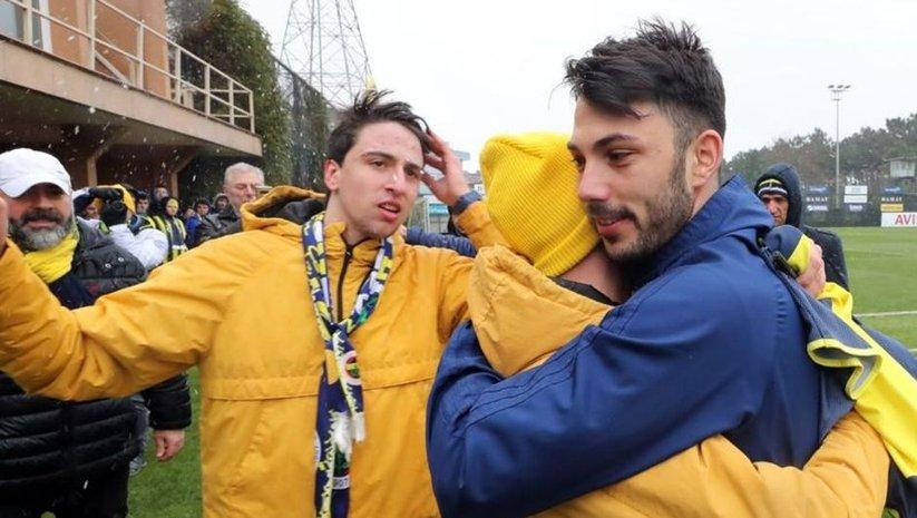 Fenerbahçeli taraftarlardan derbi öncesi ziyaret
