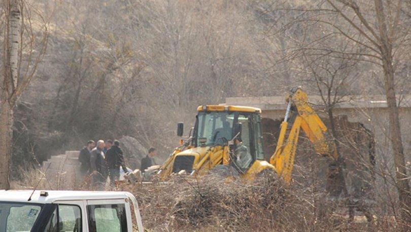 Göreme'de kaçak yapıların yıkımına devam ediliyor