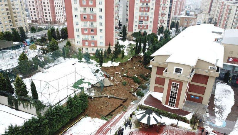 Başakşehir'de okulun istinat duvarı çöktü!