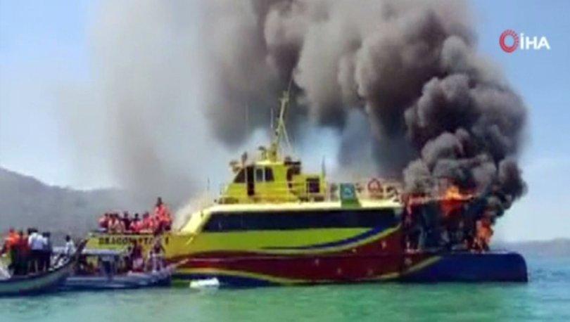 Malezya'da yanan feribotta can pazarı