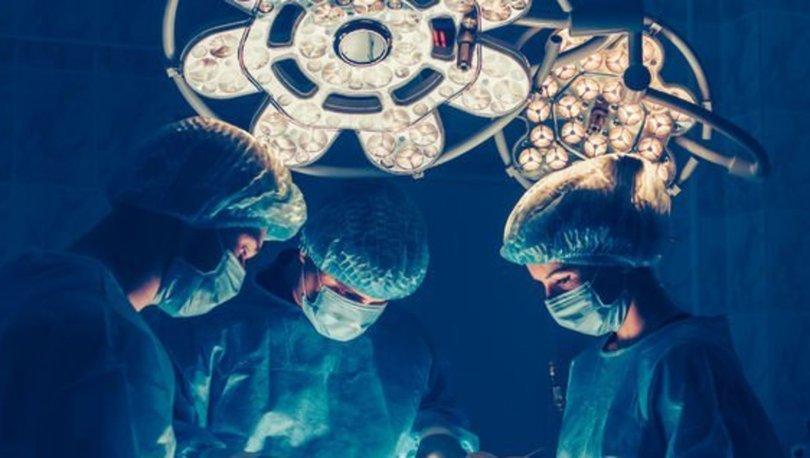 Stres topu mıknatıslarını yutan çocuğa ameliyat