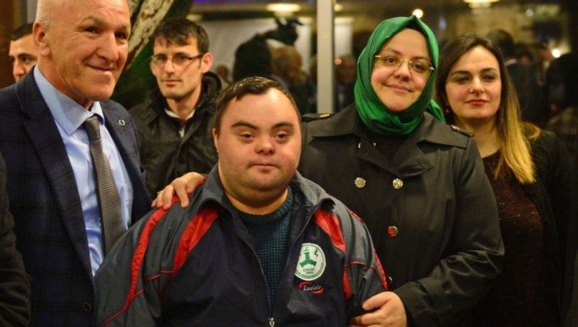 Bakan Selçuk engelliler ve aileleriyle buluştu