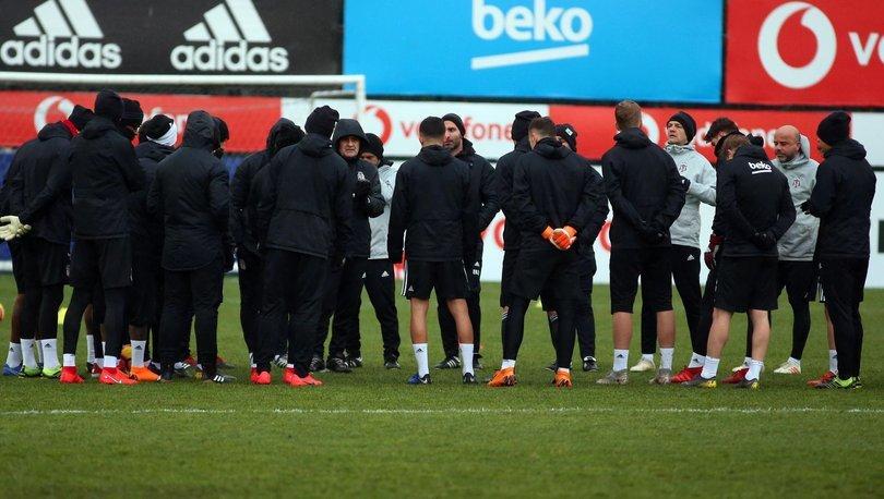 Kayserispor maçı hazırlıklarını tamamladı İstasyon koşuları yapıldıktan sonra pas çalışması yapıldı