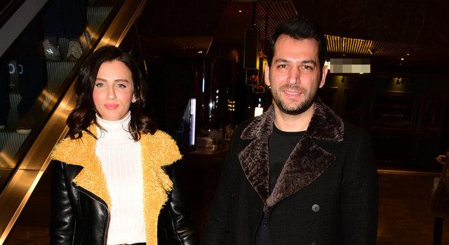 Murat Yıldırım ile eşi 'Alice' müzikalini izledi - Magazin haberleri