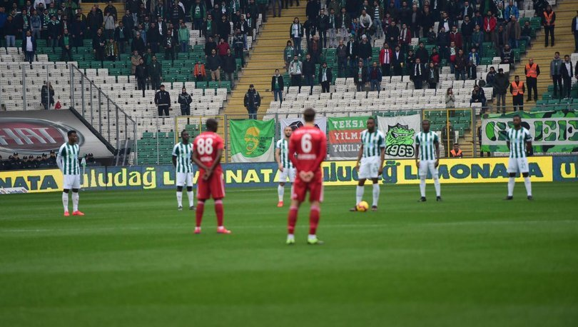 Bursaspor - Sivasspor maçında, hayatını kaybeden Ankaragücü taraftarları anıldı