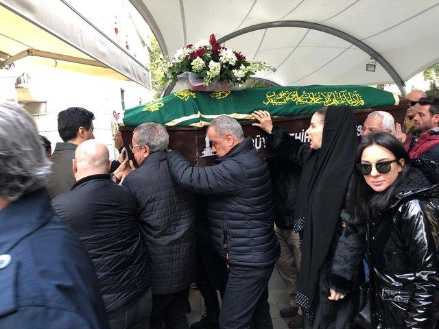 Tuğba Özerk'in acı günü - Magazin haberleri