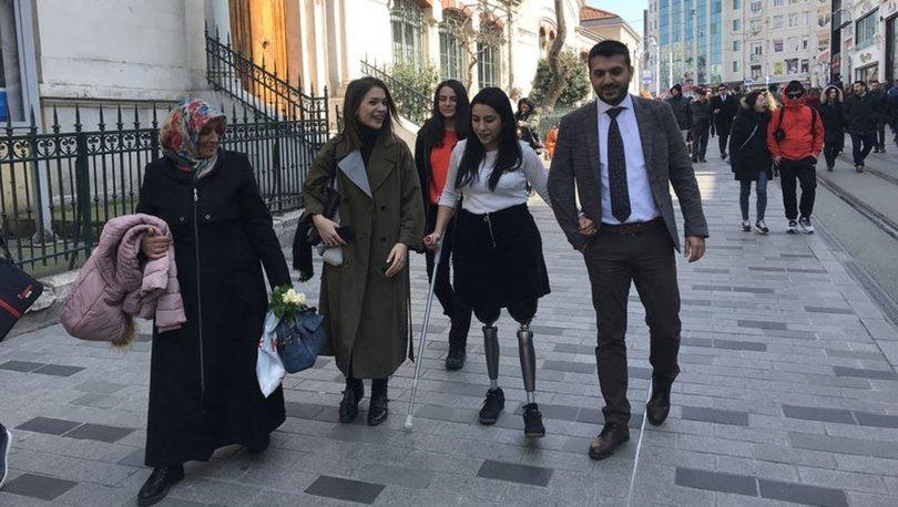 Şeymanur 22 yıl sonra ilk adımlarını İstiklal Caddesi'nde attı!