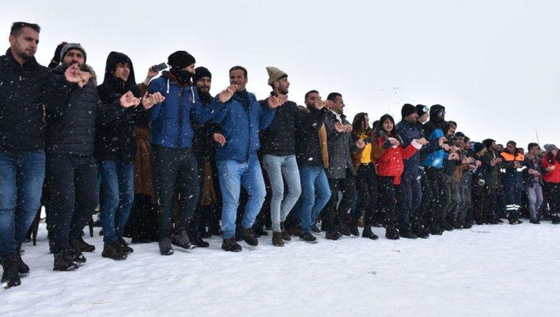 Hakkari'de 2 bin 800 rakımda kar festivali