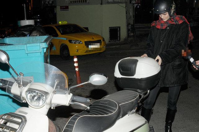 Büşra Develi'den trafiğe motosiklet çözümü - Magazin haberleri