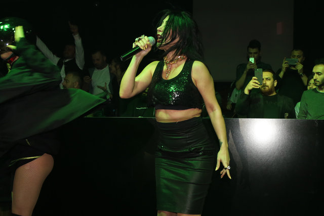 Hande Yener, Afrika'da klip çekecek - Magazin haberleri